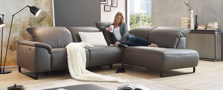 Sofa und Couch Probesitzen | MONDO® jetzt entdecken